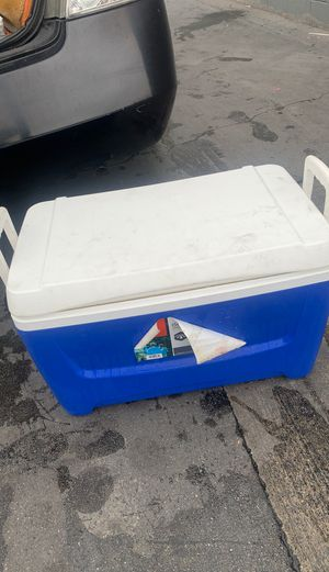 Cooler for Sale in Hollywood, CA