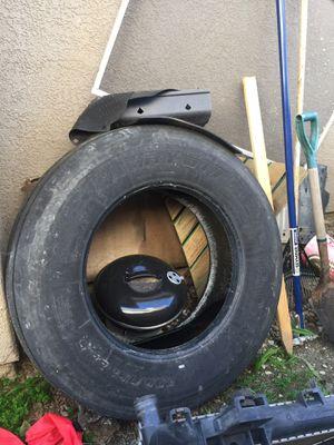 295/75 R22.5 tire for Sale in Menifee, CA