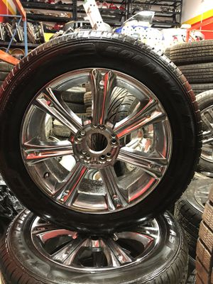A set of used tires and Rims universal like new!! 225/55/17 - 5x114.3 for $400💵 for Sale in Lynn, MA
