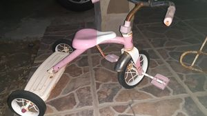 Girls tricycle for Sale in Laredo, TX