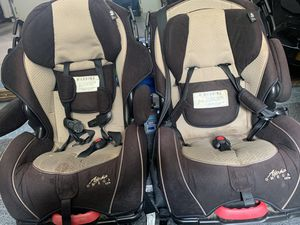 Alpha Omega Elite/Luxe 3 in 1 car seat (5-100lbs) for Sale in Great Falls, VA