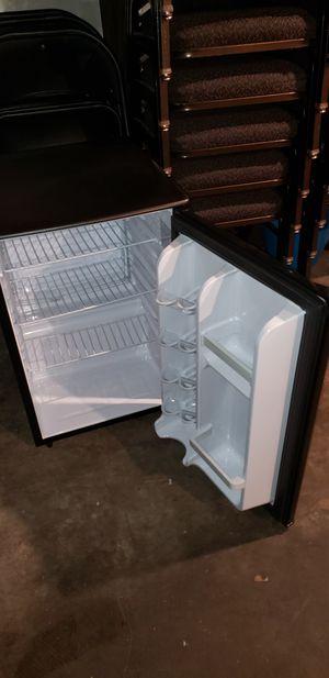 Danby 2.6 mini fridge for Sale in Bellevue, WA
