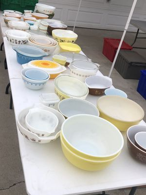 Yard Sale Vintage Collectables Pyrex for Sale in Covina, CA