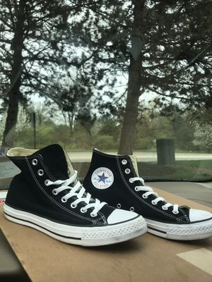 High top converse men's 7/women's 10 for Sale in Columbus, OH