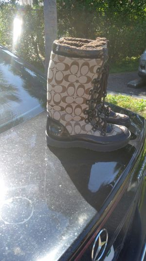 Coach Boots with Fur inside Sz 7.5 for Sale in Indian Shores, FL