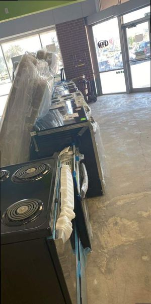 Electric stove liquidation sale 😱😱😱 DG for Sale in Friendswood, TX