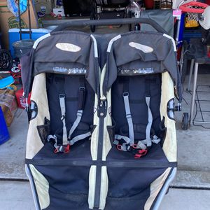 Double Bob Revolution Stroller for Sale in Carlsbad, CA