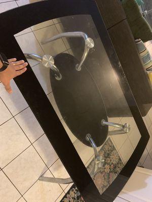 Mesa de cristal de 4 sillas / 4 chair glass table for Sale in Newark, NJ