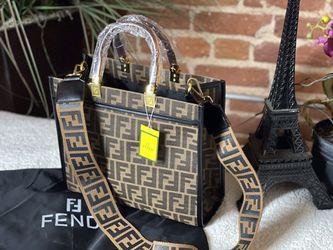 Fendi - medium size tote for Sale in Beverly Hills,  CA