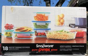 snapware pyrex glass containers for Sale in Sugar Land, TX