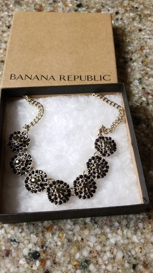 NEW Beautiful necklace from Banana Republic for Sale in Lakewood, CO