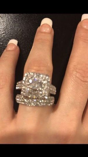 😍 ON SALE 😍 😍💍Stamped 925 Sterling Silver Engagement/Wedding Ring Set for Sale in Houston, TX
