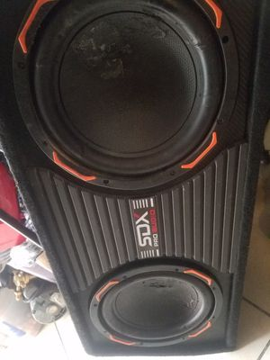 "SDX PRO Audio 10"" subs w/amp in it for Sale in Bell Gardens, CA"
