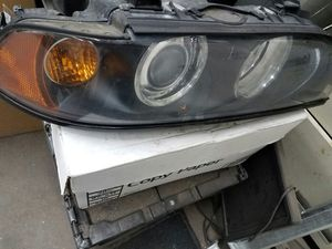 2003 bmw 5 series right headlight for Sale in Laurel, MD