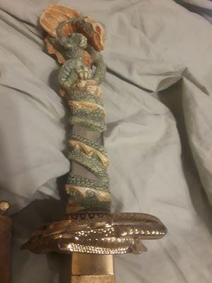 Hermosa reliquia china for Sale in Dallas, TX