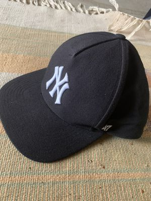 Supreme Yankee clip on hat for Sale in Fresno, CA