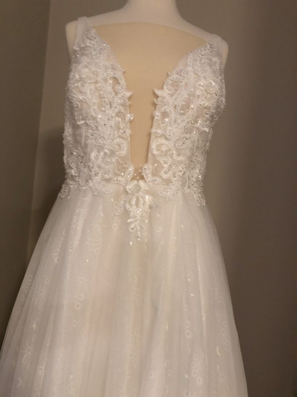 White Gown, Size 4-6