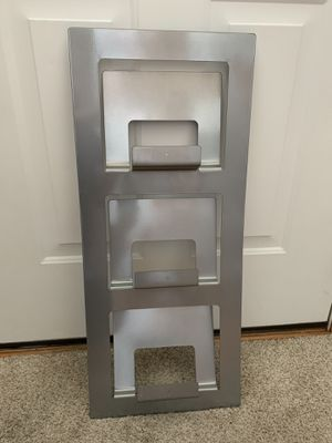 Metal Wall Mounted Rack Magazine. for Sale in Naperville, IL