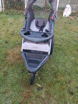 Baby trend stroller for Sale in Riverdale, MD