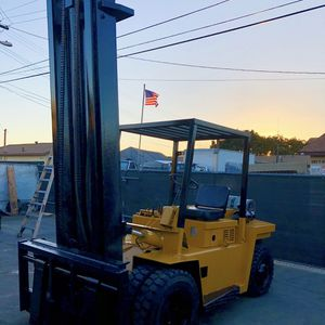 allis chalmers 13000 Lbs Propane Forklift Air Tires All Terrain With Side Shifts Sideshifts Montacarga Montacargas Forklifts for Sale in Los Angeles, CA