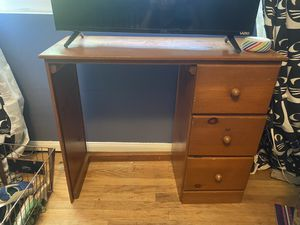 Kids desk for Sale in West Covina, CA