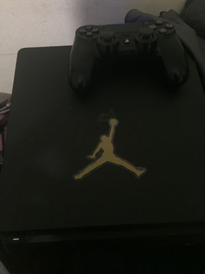 PlayStation 4 good shape for Sale in Fort Myers, FL