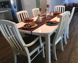 Stunning Wood Gently Used White Dining Table Dinner Table Kitchen Table Dining Set Dinning Farmhouse Shabby Chic Rustic Seats 6 Six Chairs for Sale in Phoenix, AZ