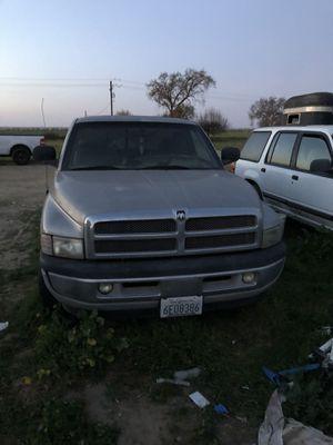 2000 dodge truck for Sale in Hilmar, CA