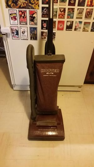 Hoover upright elite vacuum for Sale in Yonkers, NY