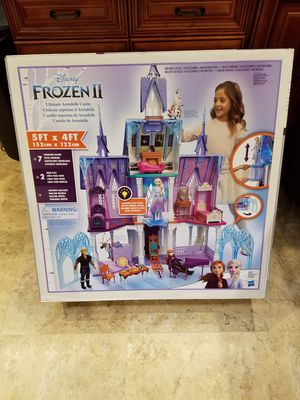 DISNEY FROZEN 2 ULTIMATE ARENDELLE CASTLE PLAYSET for Sale in Garland, TX