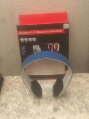 Wireless Bluetooth Headphones for Sale in Los Angeles, CA