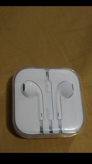 ORIGINAL APPLE EARPHONES for Sale in Los Angeles, CA