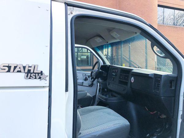 2008 Chevy express KUV Walk in utility Cargo work van Service truck Miles 177K