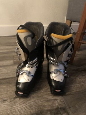 Women's Salomon Performa 7.0 ski boots size 9 for Sale in Scottsdale, AZ