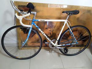 Vintage Centurion Prestige Road Bike. W/Shimano 600 Tricolor Groupset. Excellent Condition. for Sale in Davie, FL
