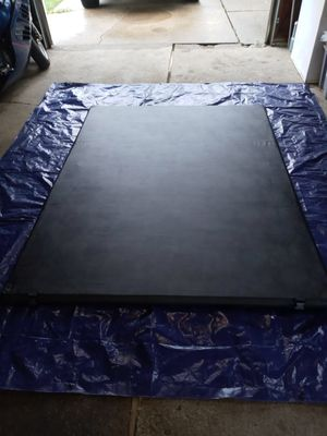 Tonneau cover- Brand new. Bought, assembled and doesn't fit my truck. for Sale in Alliance, OH