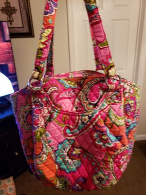 Vera Bradley purse 14.5 in W, 12 in T, 5 in across on bottom. Pockets front, back, inside, zipper closeure. Clean, no stains or wear areas for Sale in Murfreesboro, TN