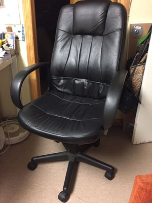 Black office chair for Sale in Queens, NY