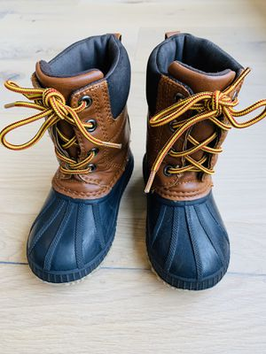 Gap Kids Insulated Snow Boots Size 7/8 Thinsulate Duck Boots for Sale in Bellevue, WA