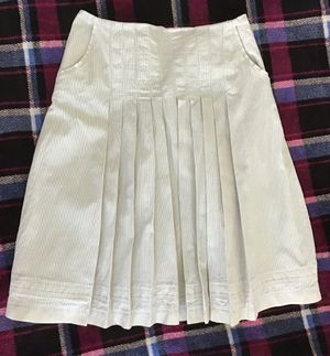 Reserved pleated skirt with pockets and lining, size XS for Sale in Mercer Island, WA