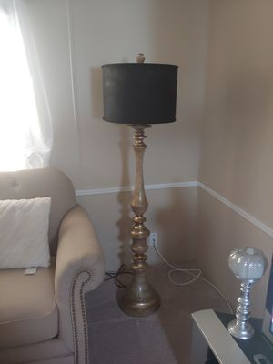 Floor lamp for Sale in La Vergne, TN