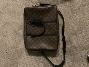 Louis Vuitton Monogram Bag for Sale in Tacoma, WA