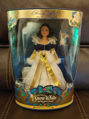 1998 Holiday Princess Disney Snow White Special Edition Barbie Doll for Sale in Hawthorne, CA