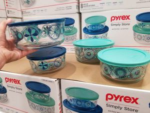 Pyrex 8 pc Decorated Food Storage Set NEW for Sale in Plantation, FL