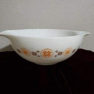 Pyrex Cinderella Bowl very Collectable for Sale in Aberdeen, WA