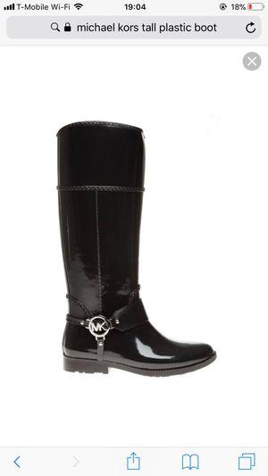 Michael Kors winter boot for Sale in Alexandria, VA