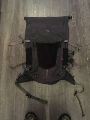 Mountain Hardwear scrambler 40L RT for Sale in Seattle, WA