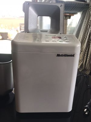 Nutritionist ntr440c automatic bread maker 1.5 lb. breadmaker for Sale in Brooklyn, NY