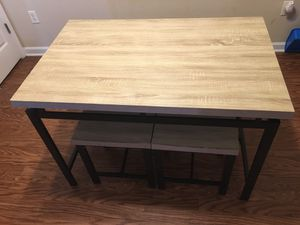 Kitchen table with decor for Sale in O'Fallon, MO
