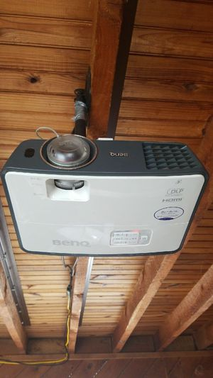 1080p HD projector home theater setup for Sale in Van Etten, NY